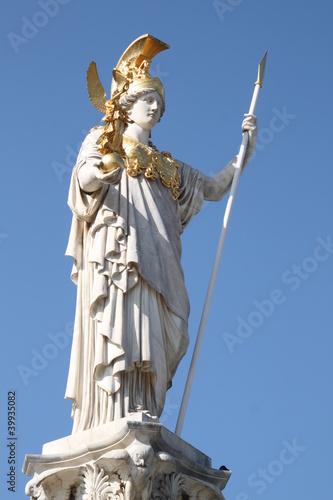 Wien: Pallas Athene Statue vor dem Parlament