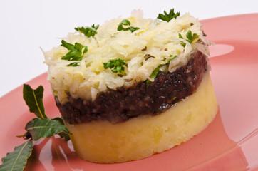 Gegrillte Blutwurst mit Sauerkraut