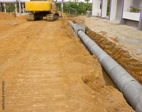 In de dag Kanaal Concrete drainage tank on construction site