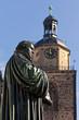 Lutherdenkmal mit Stadtkirche