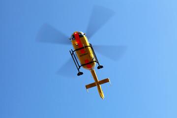Noarzt-Helikopter im Landeanflug
