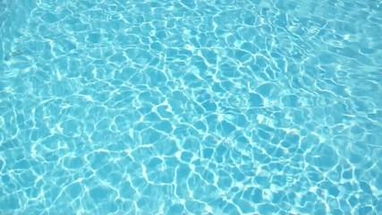 piscine vague bleue turquoise
