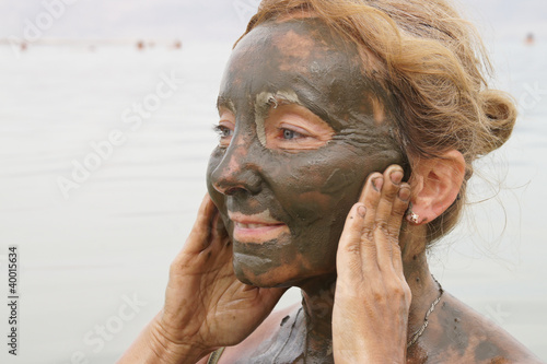 Mud treatment at the Dead Sea