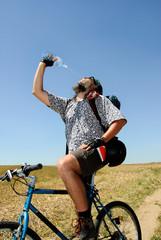 Durstiger Biker