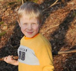 Kind genießt die Natur