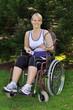 Sportliche Rollstuhlfahrerin