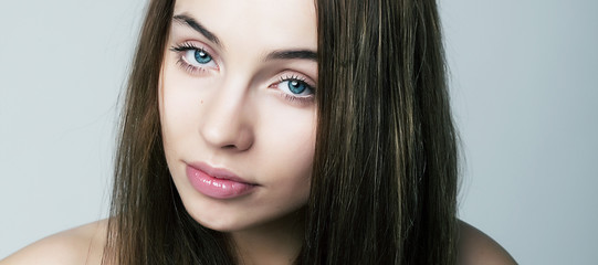 Sexy young woman. Natural beauty, clean skin. Natural make-up