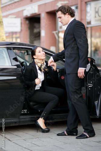 aus dem Auto aussteigen