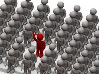 un homme dans la foule