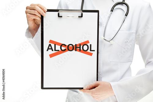 lekarz-zakazujacy-alkoholu