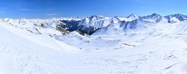 Verschneite Bergwelt