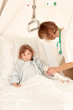 Kleine Patientin mit Krankenschwester