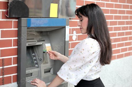 Cash dispenser
