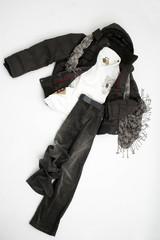 Herrenoutfit: Jacke, Schal, Hose, Hemd