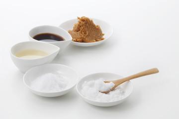 和食調味料「さ・し・す・せ・そ」