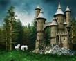 Baśniowy zamek na łące z białymi jednorożcami