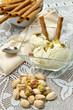 coppetta di gelato al pistacchio