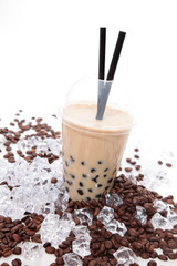 Eiskaffee mit Tapiokaperlen