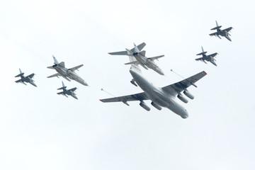 Il-78, Su-24, Yak-130