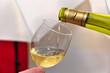 Servir du vin Blanc