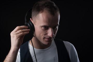 listening the music