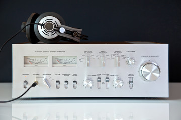 Stereo Vintage Amplifier