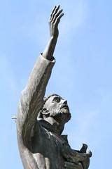 pietrelcina - statua di padre pio