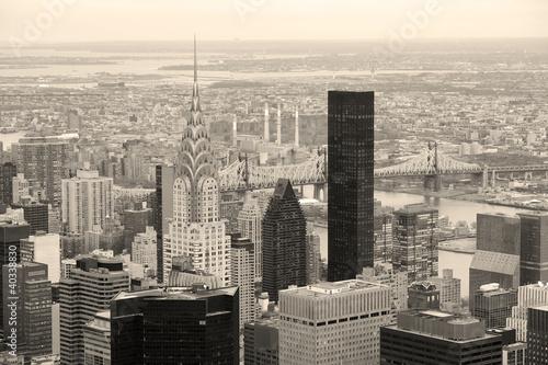 manhattan-skyline-z-new-york-city-drapaczy-chmur-w-kolorze-czarnym-i-wh