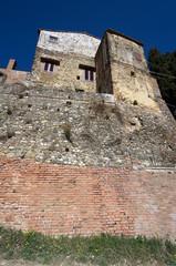 Toscana, borgo fortificato di Lucardo Alto (Firenze) 2