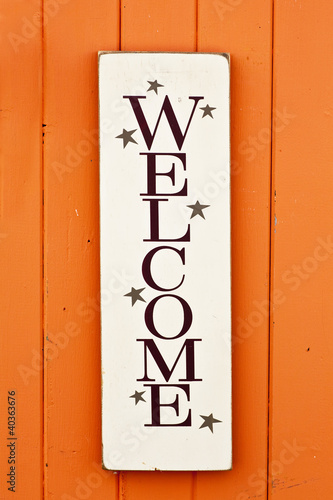 Folksy Welcome Sign