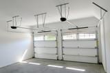 bytový dům dvě automobilové garáže interiér