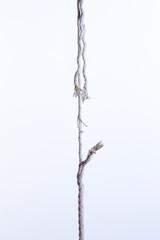 切れそうなロープ