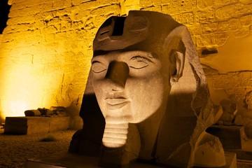 Ramses Statue vor dem Luxor Tempel