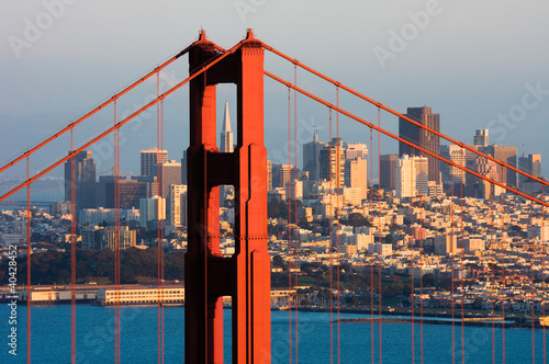 Poster Golden Gate Bridge and downtown San Francisco at sunset