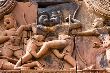 Sugriva and Valin fighting, ancient carving