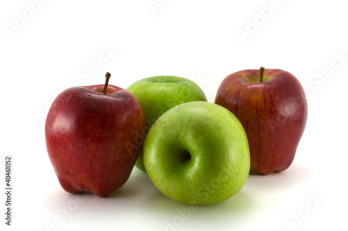 Green apples betwin red