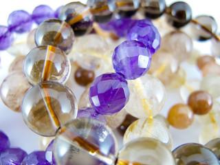マクロ/水晶ブレスレット/複数/宝石/装飾品(横位置)