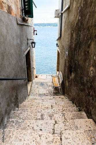 Poster Narrow Stairway to Sea in Rovinj, Croatia