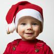Baby mit Weihnachtsmütze