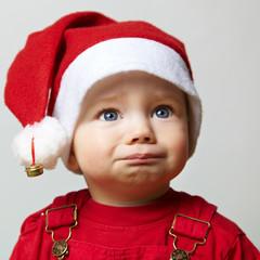 Trauriges Kind an Weihnachten