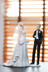 newlyweds statues