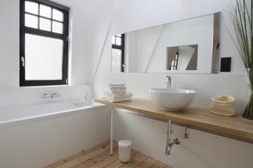 salle de bain baignoire vasque