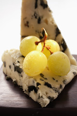 Roquefort with green grapes