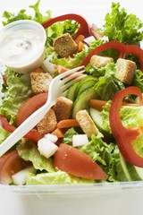 Salad leaves with vegetables, croutons & dressing to take away