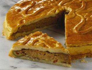 Meat pie, a piece cut