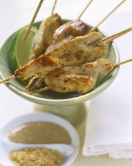 Chicken saté with peanut sauce