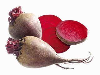 Beetroot, whole and slices