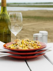 Sweetcorn and prawn salad with white wine