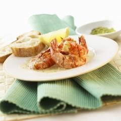 Grilled prawns in spicy sauce