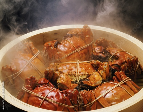 Chinese mitten crabs in a steaming basket